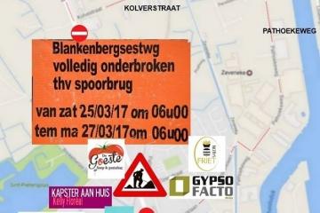 WERKEN!  Dit weekend is de Blankenbergsesteenweg ter hoogte van de spoorwegbrug afgesloten.   Er werd een omlegging voorzien. (Zie plan)